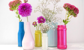 HOME INSPIRATION | Painted Bottle Vase