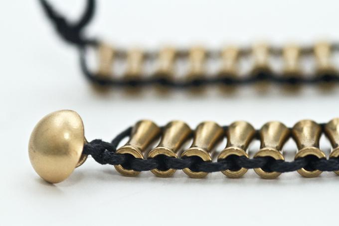 Pe Iznc98j59wndr5 Tt Ghzfanfkohkispwb0hdxlc Criss Cross Bead Bracelet Studio 4