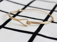 ispydiy_trianglewirebracelet_slider