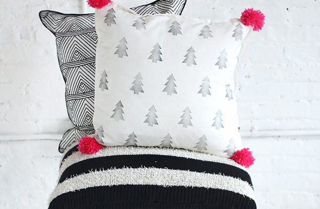 MY DIY | POM POM PRINTED PILLOW