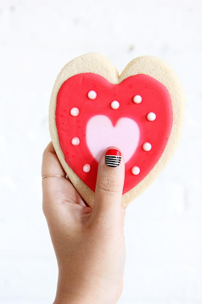 ispydiy_valentinesdaynails2