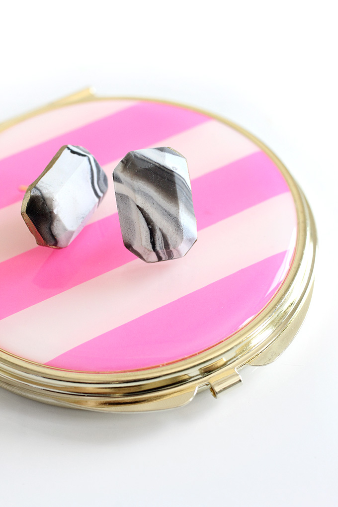ispydiy_triangleclayearring