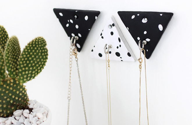 MY DIY | Triangle Clay Necklace Hooks