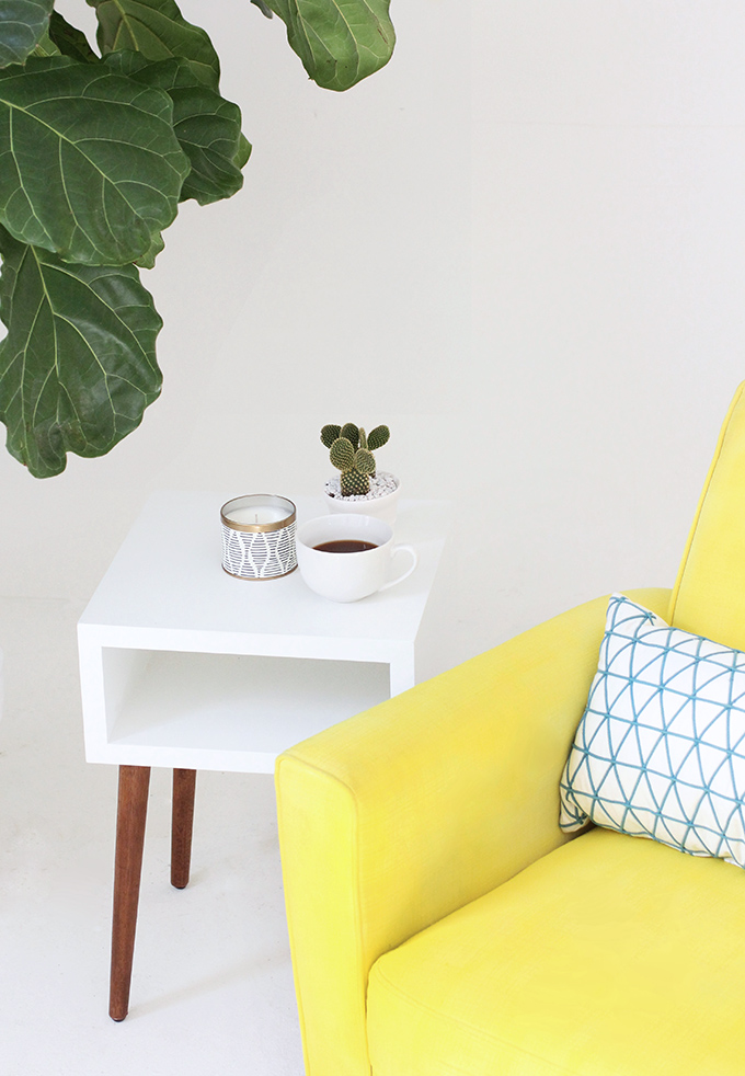 ispydiy_yellowchair4