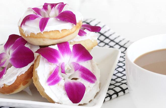 MY DIY | Edible Flower Baked Donuts