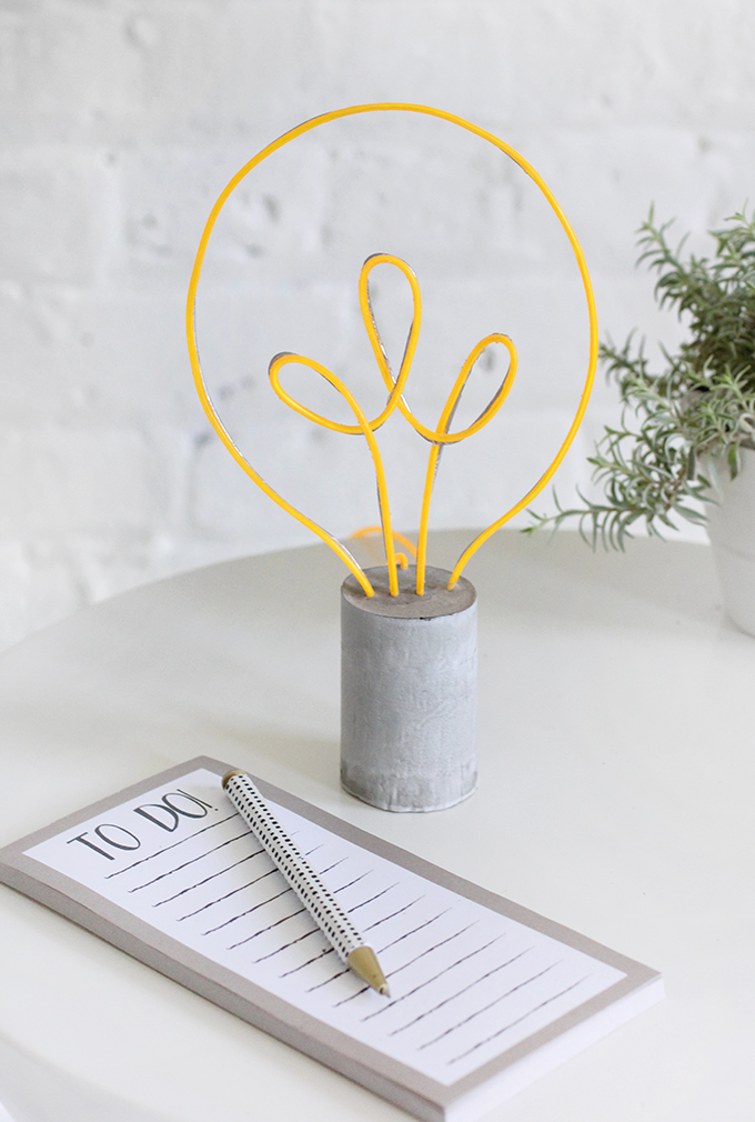 ispydiy_lightbulb1