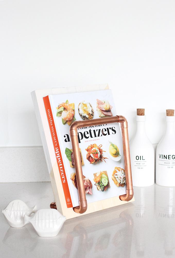 ispdiy_cookbookholder2