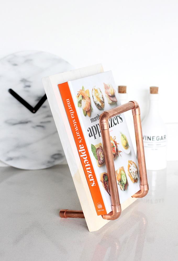 ispdiy_cookbookholder3