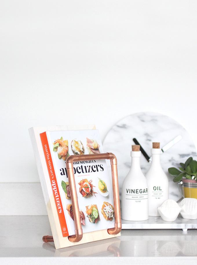 ispdiy_cookbookholder5