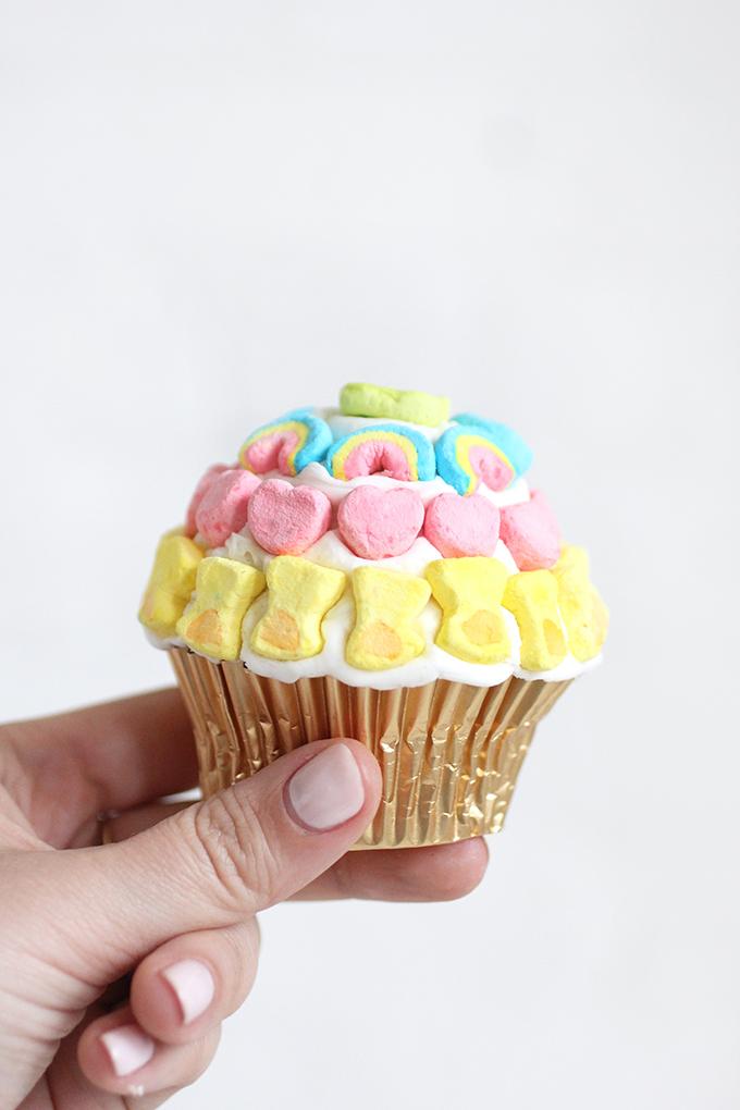 diy eats lucky charms pot of gold cupcakes i diy bloglovin