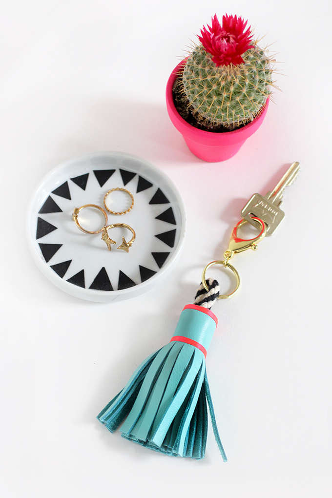 Http Ispydiy Com 2016 04 22 My Diy Leather Tassel Keychain