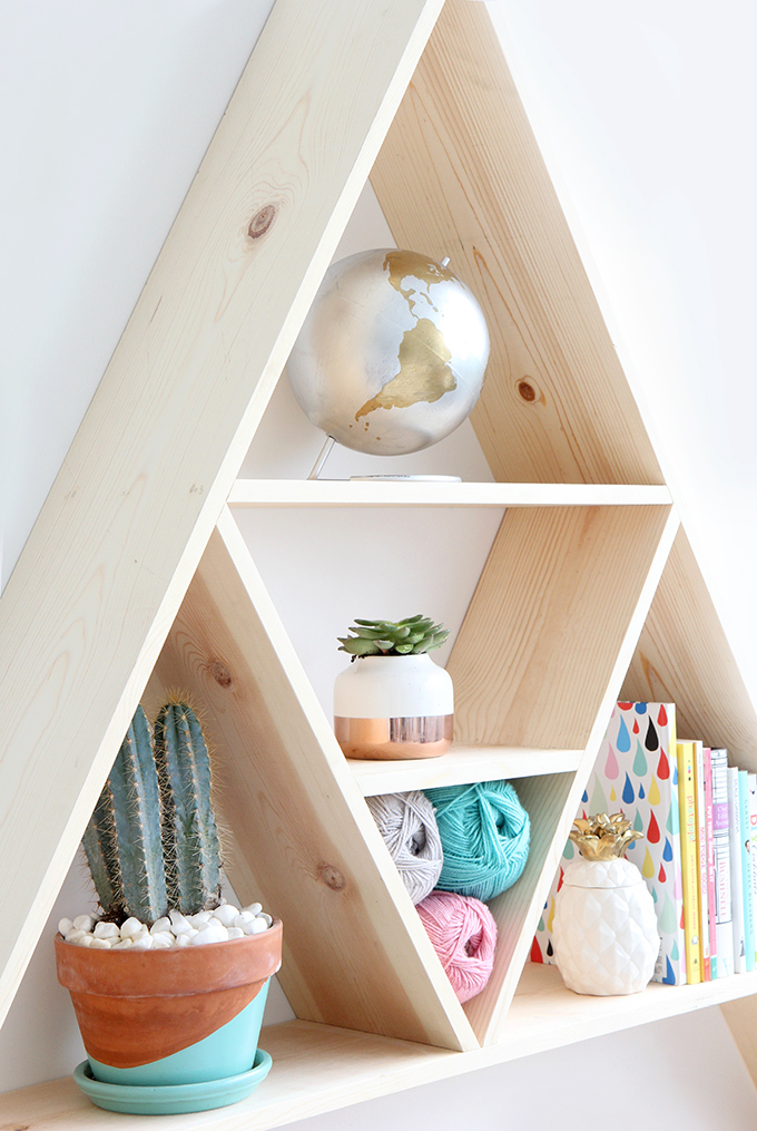 ispydiy_triangleshelf4