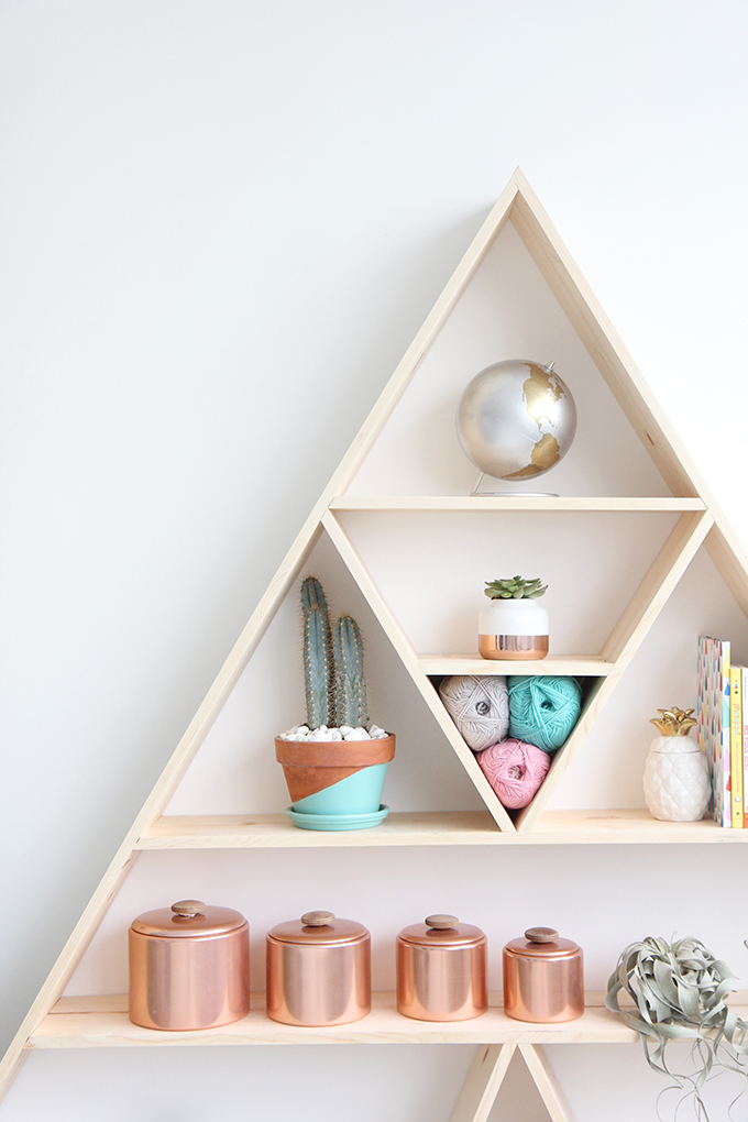 Blog - Triangular bookshelf ...