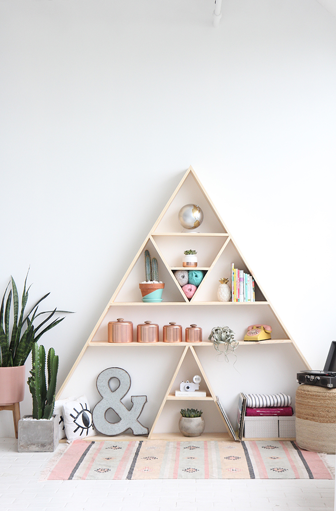 ispydiy_triangleshelf6