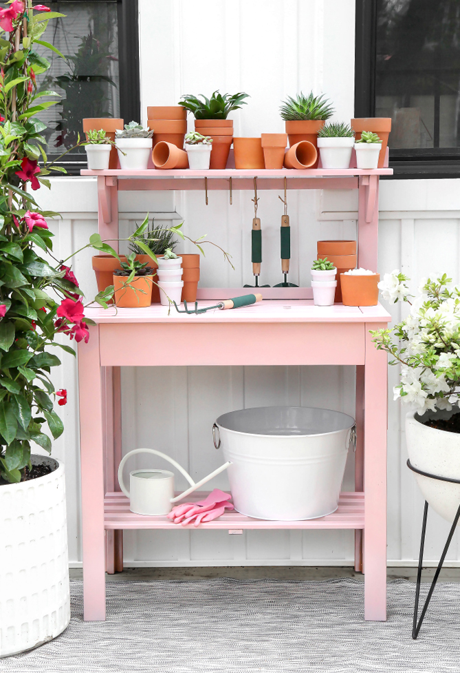 ISPYDIY_pinkpottingstation1