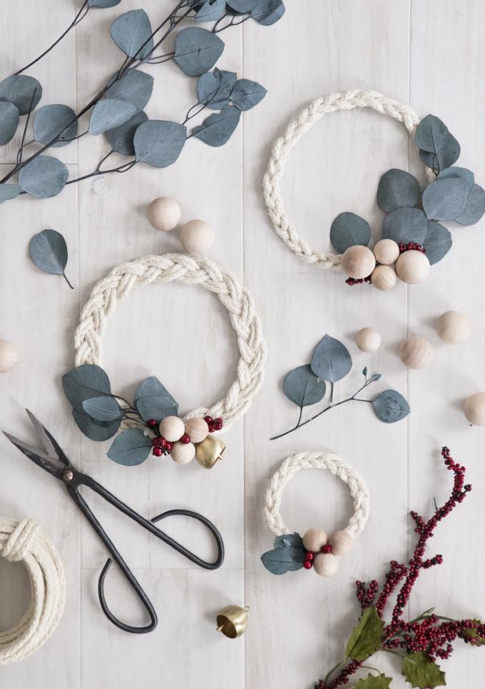 HOLIDAY DIY | Braided Rope & Ribbon Wreath
