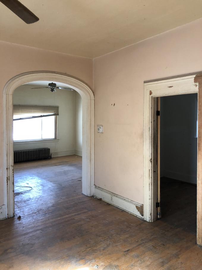 Ispydiy_barnhouse_floor2