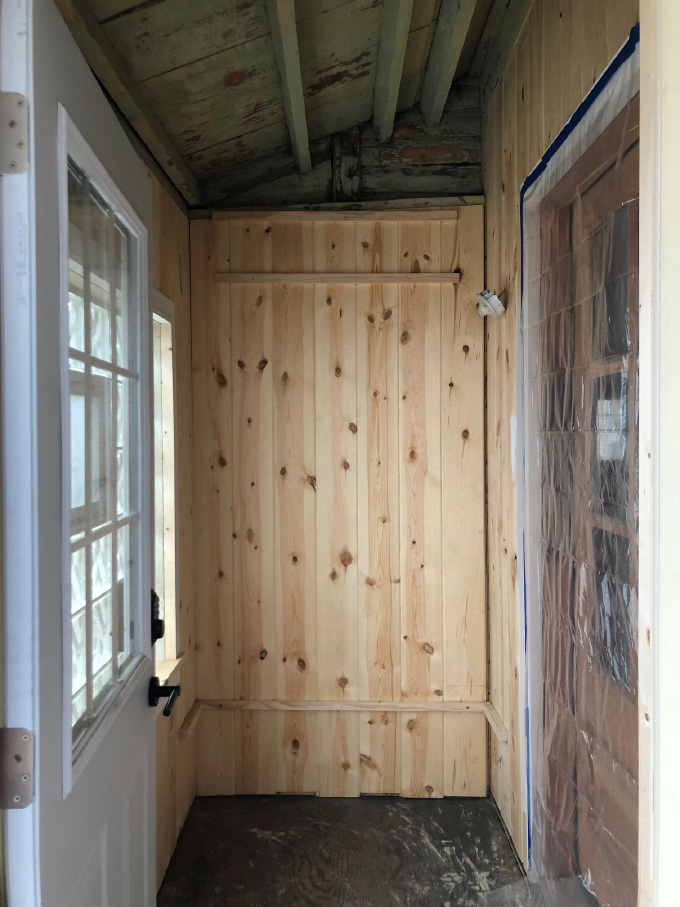 ispydiy_mudroom_before6