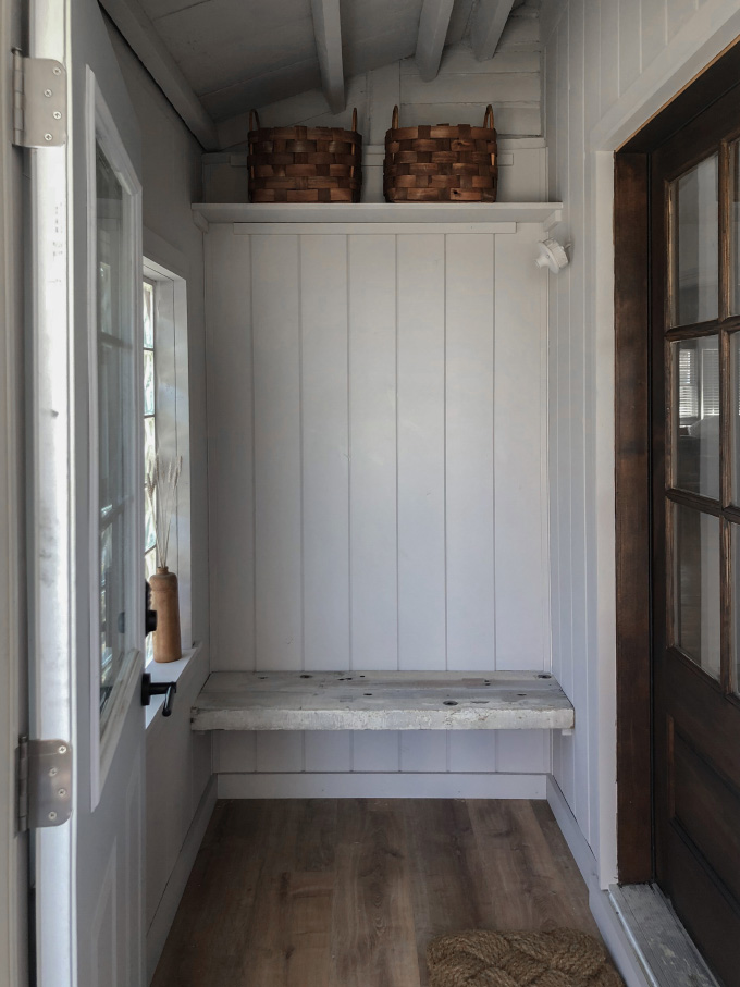 ispydiy_mudroom_before8