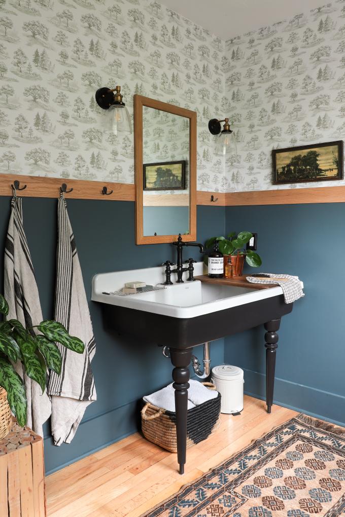 ispydiy_barmhouse_woodsybathroom3