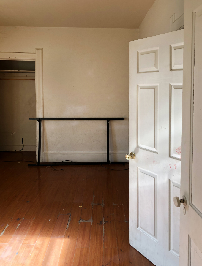 ISPYDIY_thriftedbedroom_before1