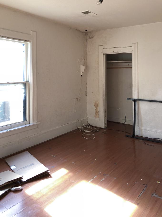 ISPYDIY_thriftedbedroom_before2